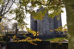 Bunratty_Castle__Co_Clare_1.jpg