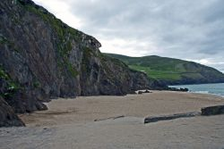 Dunquin_Beach_Dingle.jpg